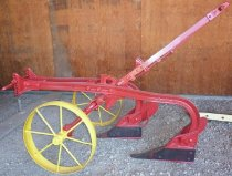 Image of Double Row Single-horse-drawn Plow