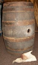 Image of wine barrel and bung