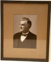Image of Portrait Photograph of Timothy Guy Phelps Shields