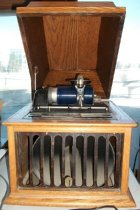 Image of 1913 Edison Cylinder Phonograph Player