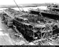 Image of 2013.040.002 - c. 1943 Belair Shipyard View of Superstructure Being Formed