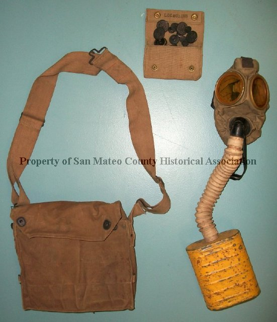 1996 228 001 - Gas Mask with Carrier, 1918  Carrier (A) and gas mask