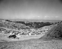 Image of 2015.001.00726.6 - View of Millbrae from Helen Drive, 1960