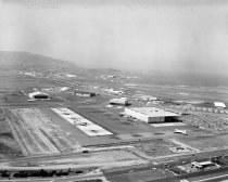 Image of United Airlines Maintenance Base Near San Bruno Avenue, 1960