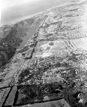 Image of 2015.001.01771.1 - Aerial View of Western Millbrae, 1961