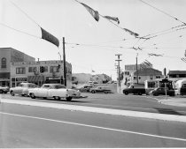 Image of 2015.001.02477.2 - Mission Street in Daly City, 1961