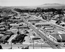 Image of 2015.001.03557.33 - Burlingame Auto Row, 1962