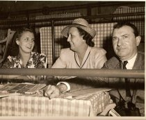 Image of Marylin, Dorothy, And Bill Kyne