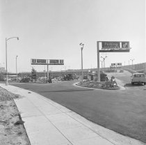 Image of 2015.001.08310 - Entrance to San Francisco International Airport, 1965