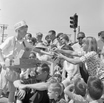 Image of 2015.001.09065.1 - Redwood City 4th of July Parade, 1966