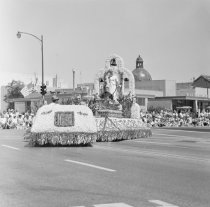 Image of 2015.001.09065.3 - Redwood City's 4th of July Parade, 1966