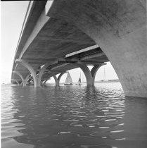 Image of 2015.001.09942.1 - Shell Boulevard Bridge on Brewer Island (Foster City), 1967