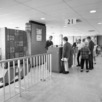 Image of 2015.001.10157.2 - United Airlines Gate 21 at San Francisco International Airport, 1967