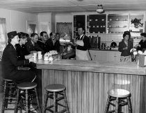 Image of 1970.039A.006 - Bill Kyne Serving Soldiers at the San Mateo Canteen USO
