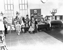 Image of 2015.001.00459.1 - Burlingame Kindergarten Class at McKinley School, September 1949