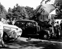 Image of 2015.001.00560.1 - Car Accident on Oak Grove and Park Avenue in Burlingame, August 1949