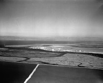 Image of 2015.001.00712.2 - Port of Redwood City Looking Southeast, August 1958
