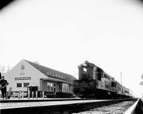 Image of 2015.001.03616.1 - Belmont Southern Pacific Train Depot, August 1962