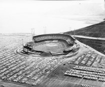 Image of 2015.001.03558.42 - San Francisco Giants Game at Candlestick Park, 1962