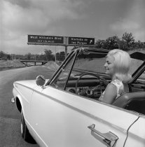 Image of 2015.001.04642.4 - Entering the new 19th Avenue Freeway at Alameda de Las Pulgas, August 1963