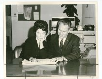 Image of 2017.054.002.34 - Untitled [Shirley Temple sitting down with campaign manager, James Grealish], September 19, 1967