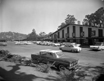 Image of 2015.001.03558.11 - Carlmont Shopping Center in Belmont, 1962