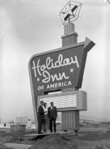 Image of 2015.001.03797A.4 - New Holiday Inn South San Francisco, October 27, 1962