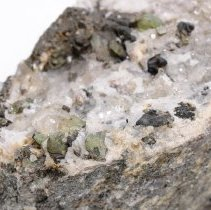 Image of Hiddenite crystals (close view).