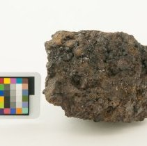 Image of Garnet, 11306 with scale bar.