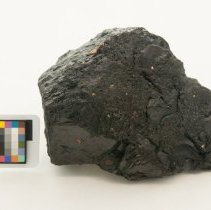 Image of Bitumen, 11913 with scale bar.