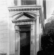 Image of 89 Beaufain, entry detail