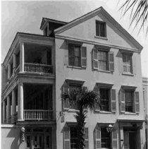 Image of 102 Broad St. (Dr. Henry Frost