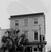 Image of 103 Broad St. (Peter Brase Hou