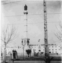 Image of Calhoun Monument - ca. 1898-1912