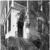 Image of 2006.010.235 - 52 Hasell Street (Gibbons-Gilliland House)