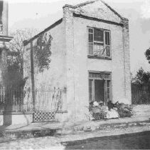 Image of 60 Hasell Street (George Reynolds House) - ca. 1898-1912