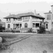 Image of Corner Rutledge & Broad Streets (Dr. Manning Simon's House) [22 Rutledge Avenue) - ca. 1898-1912