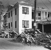 Image of HUGO.002.061a-b - 132 Smith Street After Hurricane Hugo