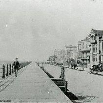Image of East Battery Parade, Charleston, S.C. - c1900