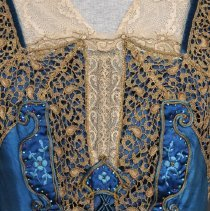 Image of 1999.47.02 front bodice detail