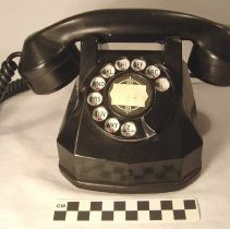 Image of Telephone - Decorative Arts Collection