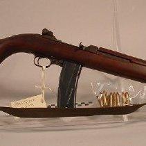 Image of M1 rifle
