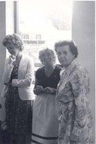 Image of Three women watching - 138-54e thl