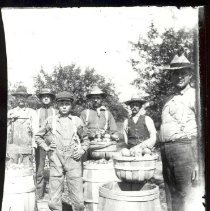 Image of Apple Pickers - 1535-5a wfchs