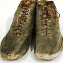 Image of 2011.47.1 - Shoe