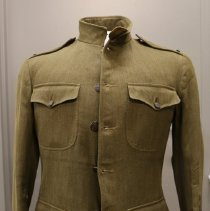 Image of 2009.107.0 - Coat