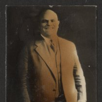 Image of 2005.74.37.143 - Photograph