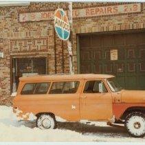Image of Color photo of Joe's Auto Repairs, 219 Clinton St., Hoboken, February, 1983. - Print, Photographic