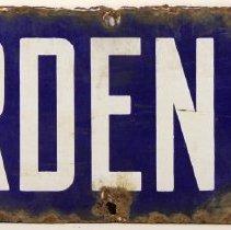 "Image of Enameled metal street sign, ""GARDEN ST"", Hoboken. - Sign"