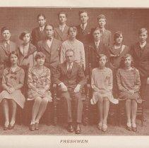 Image of pg [26]: photo freshmen Class of 1932